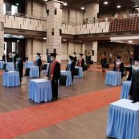 Kegiatan yang berlangsung di Auditorium dilaksanakan sesuai dengan protokol yang berlaku.